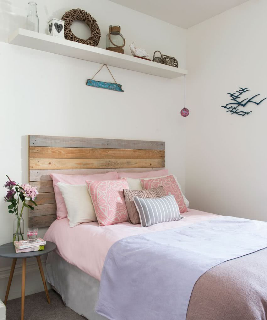 Colores para dormitorios 2019 decorevista for Habitacion blanca y turquesa